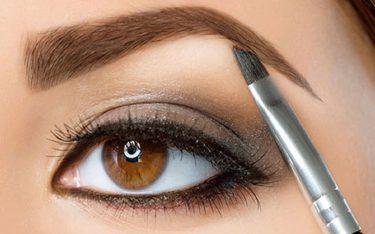 8 عادت روزانه برای زیبایی چشم